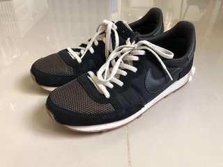 Nike 休閒跑步鞋 25.5