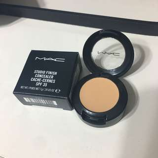 MAC studio fix concealer