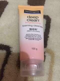 Neutrogena Deep Clean Brightening foaming cleanser (facial wash)