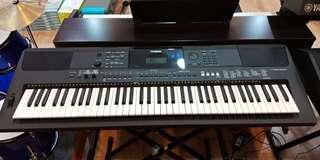 Keyboard PSR Ew 400 ( Kredit )