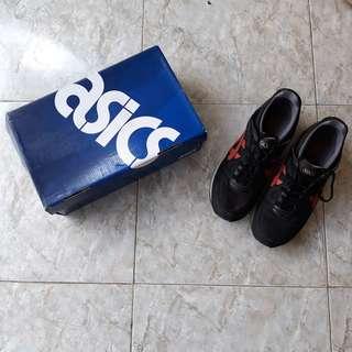 Sepatu asics gel lyte v black
