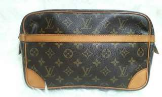 🌸🌼Authentic Louis Vuitton Monogram Pochette -Vintage Sz30cm In Very Good Condition..🍏🍏