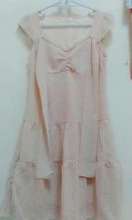 🚚 蕾絲綁帶洋裝