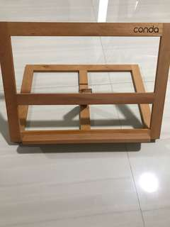 Conda stand wooden , sit down easel