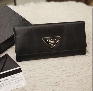 Prada 1M1132 Saffiano Wallet ❤️BIG SALE P14k ONLY❤️ In excellent condition With box and card Swipe for detailed pics