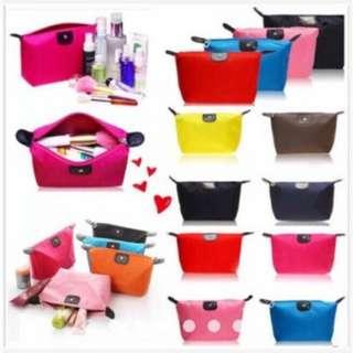 Waterproof cosmetics pouch
