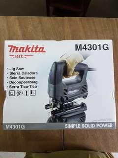 Makita M4301G