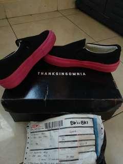 Sepatu Thanksinsomnia