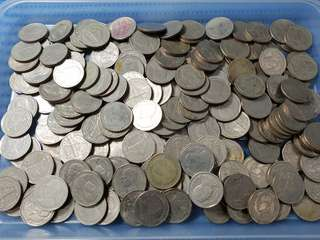 Thailand 5 Five Baht Coin ( 200 pieces are available )