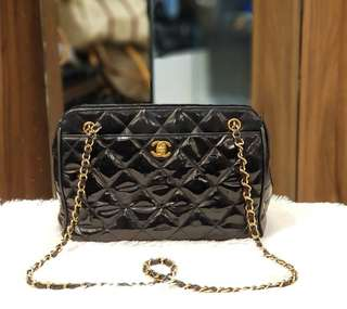 Chanel Vintage Patent Sling Bag ❤️MARK DOWN SALE P38k ONLY❤️ ✖️✖️P41,800✖️✖️ In good condition Swipe for detailed pics  Cash/card/layaway accepted