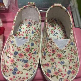Crib Couture Floral Crib Shoes Size 21