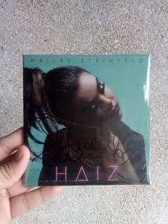 [SIGNED] Hailee Steinfeld HAIZ