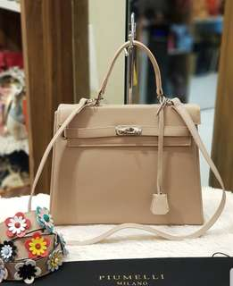 Piumelli Bag with flower strap ❤️BIG SALE P15k ONLY❤️ Used twice only. Good as bnew With dustbag Swipe for detailed pics