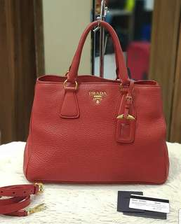 Prada BN2579 Vit Daino Rosso ❤️BIG SALE P53K ONLY❤️ Good as new condition With long strap card and generic dustbag Swipe for detailed pics