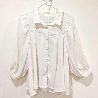 白色雕花蕾絲雪紡上衣