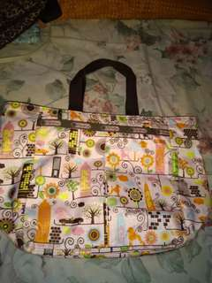 Preloved handbag lesportsac
