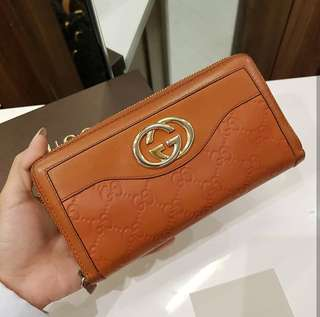 Gucci Zip Wallet ❤️MARK DOWN SALE P7500 ONLY❤️ ✖️✖️P10k✖️✖️ In very good condition With box and card Swipe for detailed pics