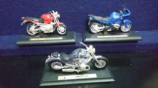 🚚 摩托車模型可以動