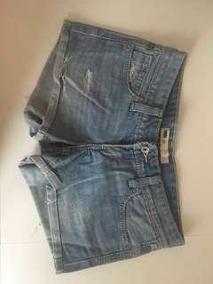 Short pants LEVI'S asli size 25