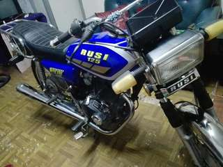 Rusi 125 Motorcycle + Sidecar & Accessories