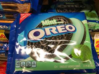 Oreo Mint Creme Chocolate Sandwich Cookies ( From Chicago, US 🇺🇸 )