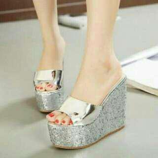 Sandal Wedges Cantik 10048