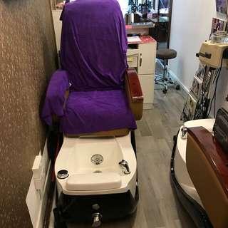 Massage sofa with pedicure bathtub
