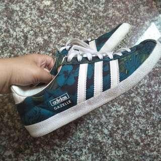 🚚 【二手正品】adidas 愛迪達 23/ 23.5 US6 運動鞋 慢跑鞋