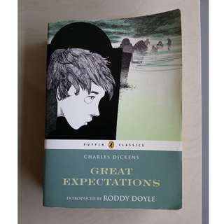 Great Expectations by Charles Dickens ( Puffin Classics Edition)