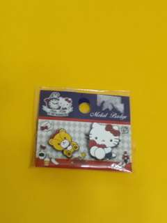 Hello Kitty in the Wonderland Metal Badge 襟卓