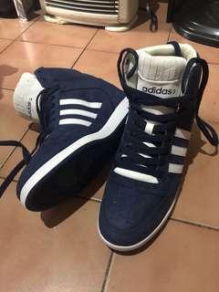 🚚 Adidas修身增高球鞋