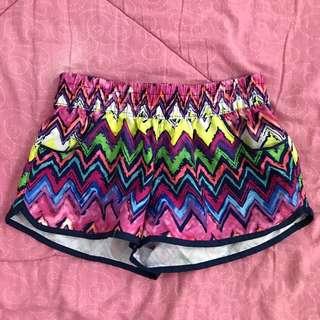 zigzag beach shorts