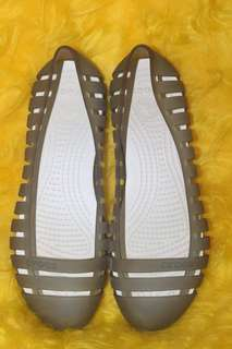 Free shipping AUTHENTIC CROCS
