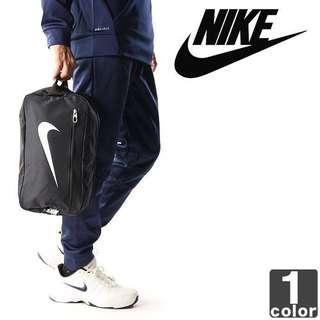 🚚 【吉米.tw】現貨 NIKE SHOES BAG 鞋袋 黑 LOGO 大勾 手拿包 包包 健身慢跑 BA5339-010