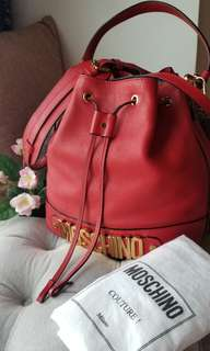 Moschino bucket in red