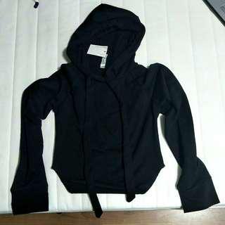 🌸 bnwt black cropped hoodie