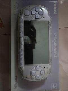 SONY PSP 2000 LAVENDER PURPLE