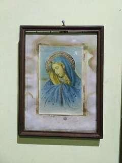 Hiasan dinding lama Bunda Maria
