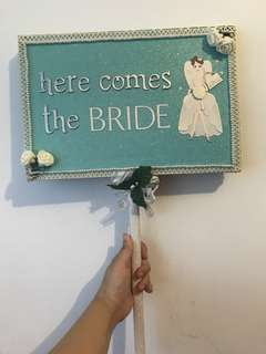 DIY - here comes the bride 👰🏻 sign
