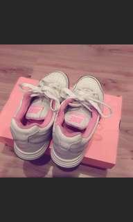 🚚 nike女生運動鞋