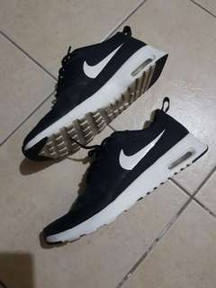 Nike Airmax Thea in Black and White