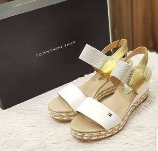 BRAND NEW TOMMY SANDALS S6 ❤️BIG SALE P7995 ONLY❤️ With box and tag Swipe for detailed pics