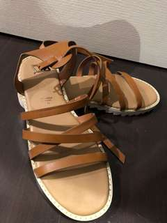 Rubi Sandal size 39