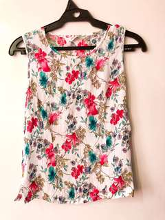 Floral stretchy Top