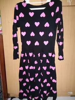 Short dress hitam motif cinta