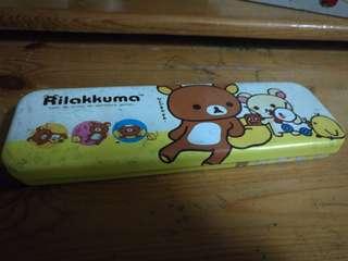 鬆弛熊筆盒