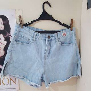Pre loved size 29 light wash High waist shorts