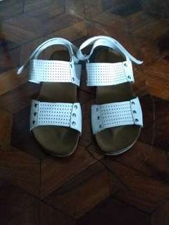 Meet my feet & elsa wedge