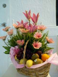 Getwell Flower and Fruit Basket Arrangement