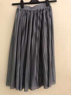 pleated midi skirt gray silk